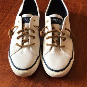 Women's cream Sperry Shoes size 8